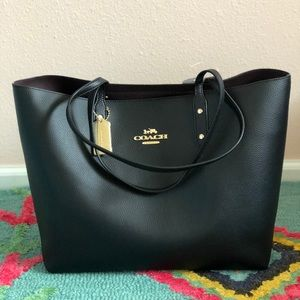 Coach town tote bag brand new with tag